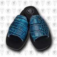 Sandalias azules cocdrilo arriba